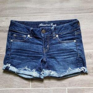 AEO   Dark Cutoff Denim Stretch Shorts